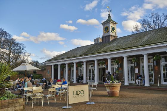 Front of the Lido Bar and Cafe