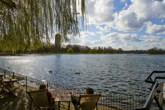 Spring day near the Serpentine Lake
