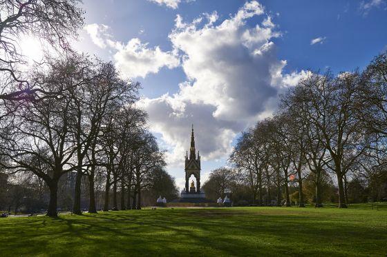 Albert Memorial from East Albert Lawn