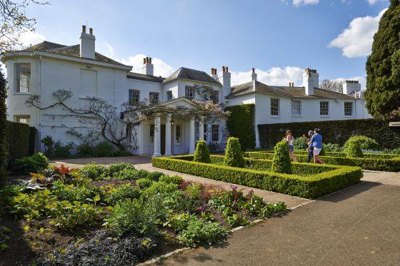 Pembroke Lodge in Spring