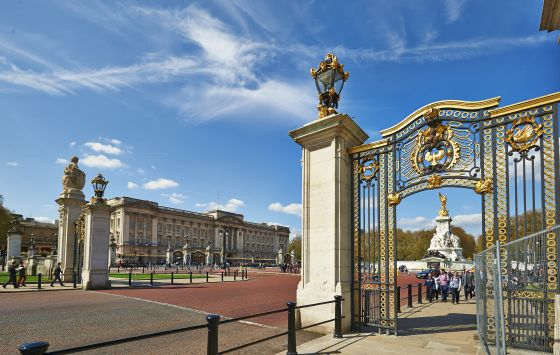 Australia Gate and Queen Victoria Memorial